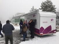 KARABÜK ÜNİVERSİTESİ - Çorba İkramı Kar Altında Da Devam Ediyor