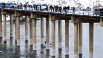 Fırat Nehri'nde Batan Teknedeki Kişi İçin Arama Çalışması Başlatıldı