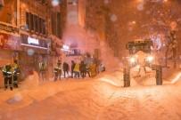 EDREMIT BELEDIYESI - İpekyolu'nda Karla Mücadele Çalışması