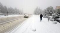 Kar Yağışı Karabük'ü Esir Aldı