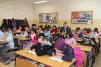 DENIZ PIŞKIN - Kaymakam Pişkin, Öğrencilerle Birlikte Kitap Okudu