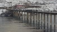 Köprü Ayağına Çarpan Tekne Battı Açıklaması1 Kayıp