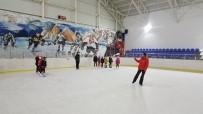 SPOR MERKEZİ - Ecevit'in Adını Taşıyan Buz Sporları Salonu İlgi Görüyor