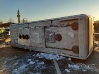 SERVİS ARACI - İşçi Servisi Kaza Yaptı Açıklaması 12 Yaralı