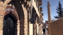 MEZOPOTAMYA - Kar, Hoşgörü Kentinde Güzel Görüntü Oluşturdu