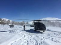 MEHMETÇIK - Yolların Kapandığı Van'da Hastalar Helikopterle Sevk Ediliyor