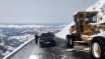 ÇIĞ DÜŞMESİ - Artvin-Ardahan kara yolu Sahara Geçidi'nde çığ düştü