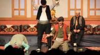 FOLKLOR - Büyükşehir'den Tiyatro Ziyafeti