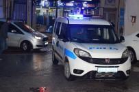 TURGUT ÖZAL - Malatya'da Bıçaklı Kavga Açıklaması 3 Yaralı