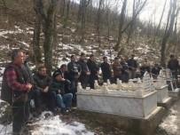 DİSİPLİN KURULU - Trafik Kazasında Kaybeden İmam Hatip Mezarı Başında Anıldı