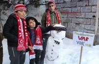 ÖMER ÇELİK - Sivassporlu Minik Taraftarlardan İlginç Tepki!