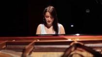ANADOLU ÜNIVERSITESI - Anneden Otizmli Oğluna Duygusal Şarkı