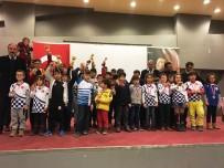 HAKEM HEYETİ - Ayvalık'ta Satranç Turnuvası Heyecanı