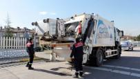 ÇÖP KONTEYNERİ - Başiskele'de Temizlik Çalışmaları Sürüyor