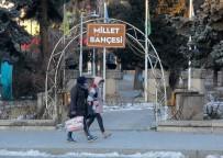 BUZ SARKITLARI - Erzincan'da Soğuk Hava Hayatı Olumsuz Etkiliyor