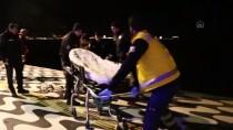 POLİS MERKEZİ - İzmir'de Denize Düşen Adamı Polis Kurtardı
