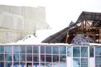 İPEKYOLU - Kar Nedeniyle İş Merkezinin Çatısı Çöktü