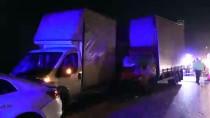 Lastiği Patlayan Araca Yardım Edenlere Kamyonet Çarptı Açıklaması 1 Ölü, 4 Yaralı