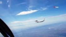 RUSYA - Rusya Savunma Bakanı Şoygu'nun Uçağına Sırp Uçakları Eşlik Etti
