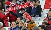BALCı - Süper Lig Açıklaması Antalyaspor Açıklaması 0 - Kasımpaşa Açıklaması 0 (İlk Yarı)