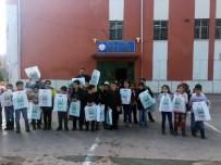 SOSYAL YARDIM - Boşatlılar Derneğinden Köy Okuluna Kitap Yardımı