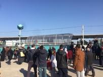 NİLÜFER - Bursa'da Metro Seferleri Aksadı, Sıkıntı Yarım Saat İçinde Giderilecek
