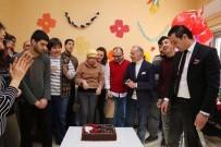Engelli Gençlerin Doğum Günü Sevinci