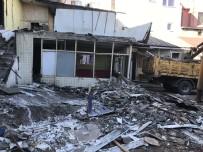 Fatih'te Kaçak Yapılar Yıkılıyor
