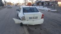 ADNAN MENDERES - Frene Bastı Otomobil Çarptı