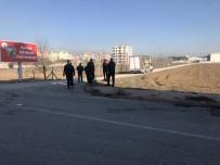 MOBİLYA - Konya'da Kamyonet Yan Yattı Açıklaması 9 Yaralı