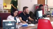 SAĞLIK EKİBİ - Taşıdığı Hastayla Aynı Rahatsızlığa Yakalanan Ambulans Şoförü Van'da Tedavi Edildi