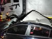SAĞLIK EKİBİ - Çayırova'da Korkunç Kaza Açıklaması 2 Yaralı