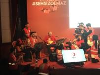 MÜZİK GRUBU - Kızılay Genel Başkanı Kerem Kınık Saz Çaldı, Genç Gönüllüler Şarkı Söyledi