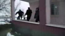 SOSYAL HİZMET - Muş'ta Terör Örgütü PKK'ya Yönelik Operasyonda Yakalanan 28 Zanlıdan 2'Si Tutuklandı