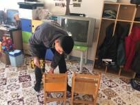 MOBİLYA - Yaşlıların Evlerinin Ardından Şimdi De Okulları Onarıyorlar