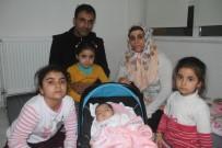 FETHİ SEKİN - 2 Aylık Depremzede Bebek Ailesiyle Anaokuluna Yerleşti