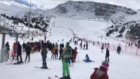 ERGAN DAĞI - Ergan Dağı Kayak Merkezi'nde Hafta Sonu Yoğunluğu