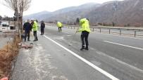 DİREKSİYON - Kastamonu'da Otomobil Takla Attı Açıklaması 2 Yaralı