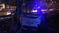 DİREKSİYON - Otomobil Takla Attı Açıklaması 2 Yaralı