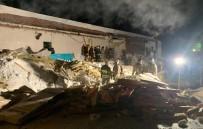 NOVOSIBIRSK - Rusya'da Gece Kulübünün Çatısı Çöktü Açıklaması 2 Ölü, 5 Yaralı