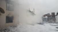AHŞAP EV - Amasya'da Ev Yangını
