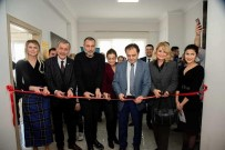 HALK OYUNLARI - Hüsnü Şenlendirici Sanat Akademisi Açılışına Katıldı