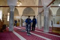 ÇEVRE TEMİZLİĞİ - Kepez'den Antalya'ya Cami Temizliği Hizmeti