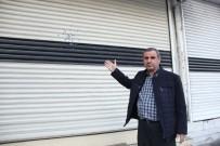 GÜVENLİK GÜÇLERİ - Diyarbakır'da Berber Dükkanına Silahlı Saldırı, İş Yeri Sahibi Dışarı Çıkamıyor
