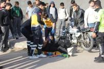 MOTOSİKLET SÜRÜCÜSÜ - Kilis'te Trafik Kazası Açıklaması 2 Yaralı