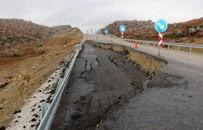 KARAYOLLARI - Çöken Yol Trafiğe Kapandı