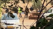 İSRAIL - İsrail Güçleri, Mescid-İ Aksa'nın Kapılarını Bıçaklı Saldırı İddiasıyla Kapattı