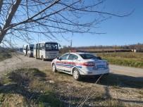 EMNIYET KEMERI - Jandarma Trafik Timleri Öğrenci Servislerini Denetledi