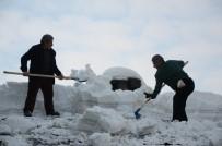 HAFTA SONU - Kar Küreme Ekmek Kapıları Oldu