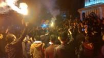 GÜZERGAH - Kütahya'da Galatasaraylı Taraftarların Galibiyet Sevinci
